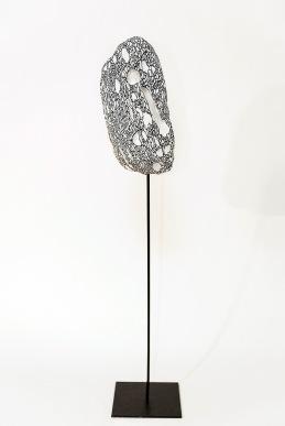 N&B n°4 - 63 x 12 x 12 cm - acrylique sur bois flotté - © Annie Thérie