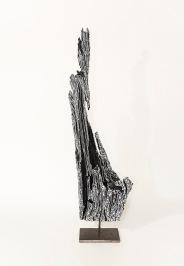 N&B n°6 - 63 x 16 x 8 cm - acrylique sur bois flotté - © Annie Thérie