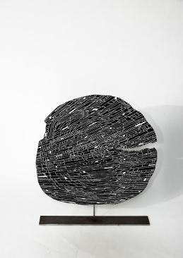 N&B n°62 - 33 x 4 x 40 cm - acrylique sur pin - © Annie Thérie