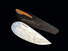 Conscience endormie - Abtey / Therie - 40 x 50 x 20 cm - marbre ébène acrylique - © Annie Thérie